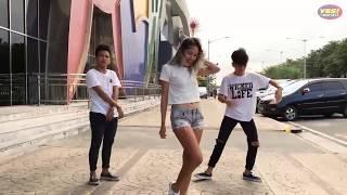 Video Top 10 Dance Craze of 2017 by Yes The Best MP3, 3GP, MP4, WEBM, AVI, FLV Mei 2018