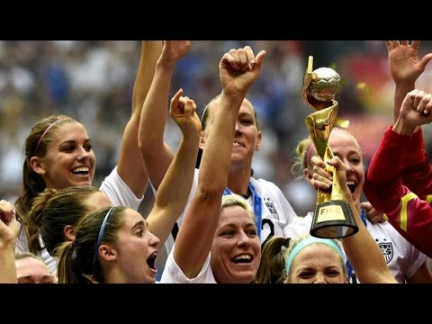 U.S. women's soccer stars call for equal pay