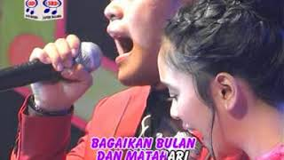 Video Lesti feat Danang - Dinding Kaca (Official Music Video) MP3, 3GP, MP4, WEBM, AVI, FLV Maret 2019
