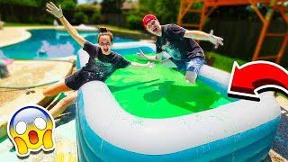 Video MAKING 10,000 POUNDS OF OOBLECK IN A POOL! MP3, 3GP, MP4, WEBM, AVI, FLV Juli 2019