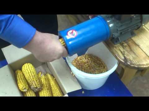 Как сделать кукурузолущилку своими руками