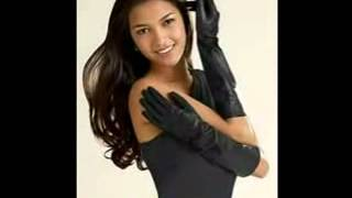 Sexy Ladies In Leather Gloves