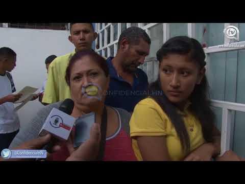 Hondureños hacen largas filas para conseguir pasaporte