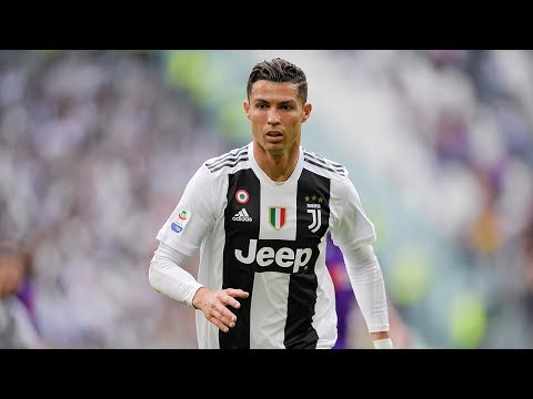 Cristiano Ronaldo wins the Juventus April MVP award with EA Sports! - Thời lượng: 1:01.
