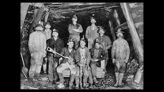 Na revolução industrial se constitui as duas principais classes: *Burguesia industrial detentora dos meios de produção (as máquinas, a fábrica) *Proletariado A ...