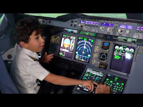 That young lad who recently went viral after he was filmed talking technical jargon in the cockpit of an aircraft, well he got to fly in an Airbus 380 sim...