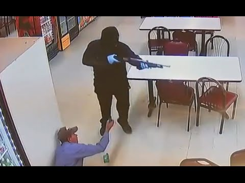 Robbers Open Fire in Supermarket [RAW FOOTAGE]