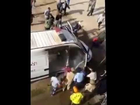 فيديو احراق سيارة الامن الوطني في ملعب 16 نونبر باولاد تايمة