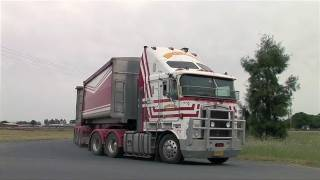 Deniliquin Australia  City pictures : Australian Trucks: Road Trains and B Doubles at Deniliquin 2