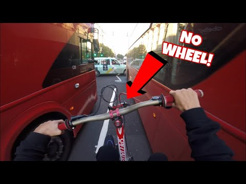 NO FRONT WHEEL WHEELIE RACE THROUGH LONDON CITY!! *BAD IDEA*