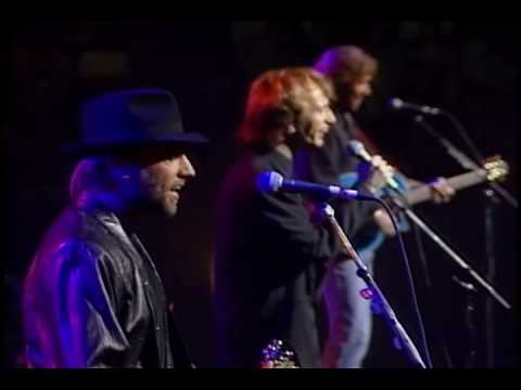 Bee Gees - I've Gotta Get A Message To You (Live-HQ)