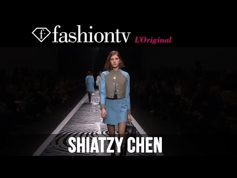 fashiontv - http://www.FashionTV.com/videos PARIS - FashionTV brings you the Shiatzy Chen Fall/Winter 2014-15 runway show from Paris Fashion Week. Music: