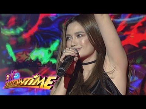 "It's Showtime: Arci Muñoz sings ""Nosi Ba Lasi"""