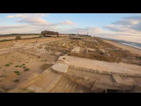 אהרון הלל  חוף הקשתות קיסריה