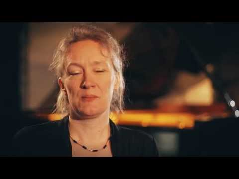 play video:Julia Hülsmann Trio
