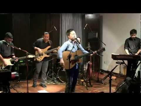 Sandhy Sondoro - Asmara Kita @ Mostly Jazz 16/09/12 [HD]