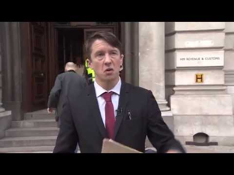 Jonathan Pie wants the world economy explained « The Standard