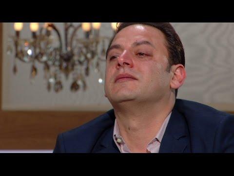 أحمد برادة يبكي وهو يتحدث عن والده مع منى الشاذلي