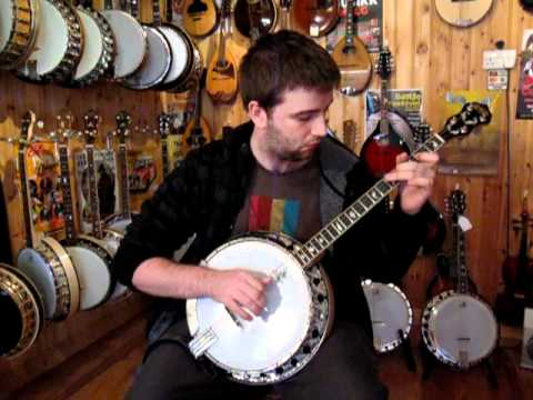 Alan Reid Plays an Air on Tenor Banjo