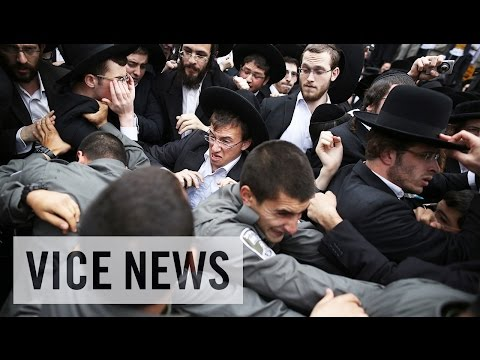 israel - Subscribe to VICE News here: http://bit.ly/Subscribe-to-VICE-News Since Israel's inception, the Haredi — ultra-Orthodox adherents of Judaism —have been exempt from the country's military...