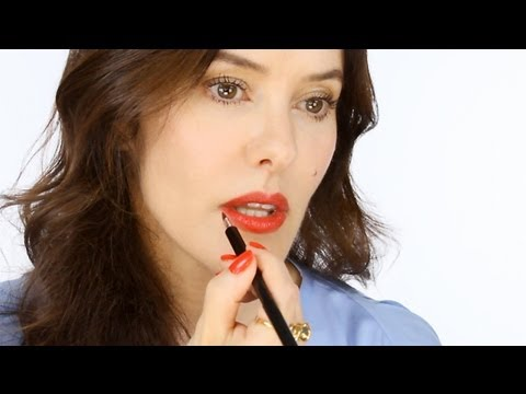 Community Magazine – Ultimate Guide To Red Lips