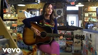 Kacey Musgraves - Merry Go 'Round (Acoustic Performance) (VEVO LIFT)