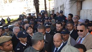 """القوات العمومية تقتحم """"مارشي كريو"""" بالبيضاء وتسقط فوزي الشعبي أرضا"""