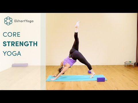 30 minute Core strengthening Yoga class with Jennilee Toner, EkhartYoga (видео)