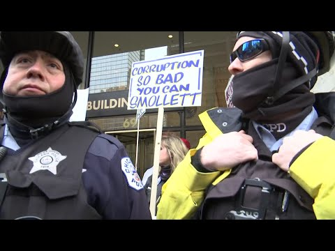Smollett prosecutor prompts protests in Chicago