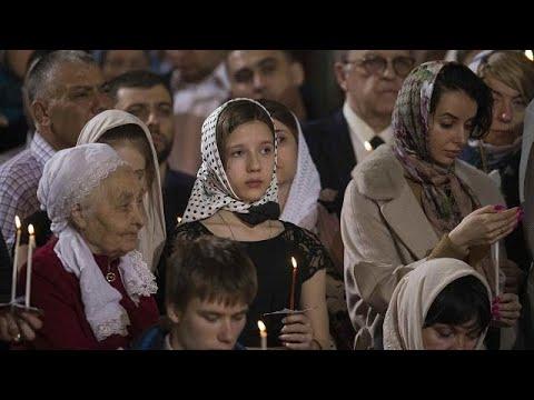 Παρουσία Πούτιν η λειτουργία στον ΙΝ Αναστάσεως του Κυρίου στη Μόσχα…