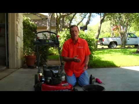 Lawn & Gardening Tips : How to Change Oil in Lawn Mower