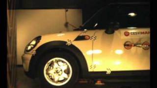 Crash test delantero Mini One en Cesvimap