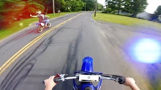 Video 12 Minutes of Police Chase Getaways | Cops Vs Dirtbikes 2016 MP3, 3GP, MP4, WEBM, AVI, FLV Juni 2019