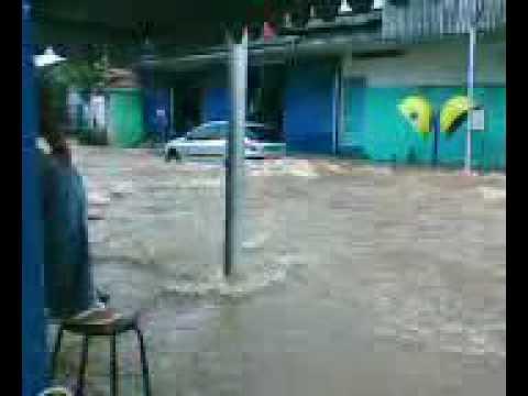 Enchente em Guarulhos  Rua 13 de Maio ,Vila Galvão