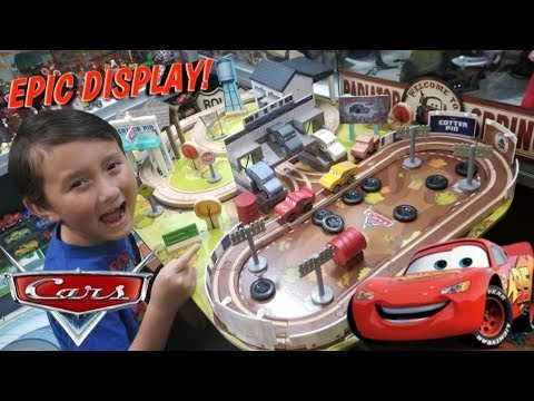 THE BEST CARS 3 PLAYSET TABLE!! WOODEN THOMASVILLE TRACK BY KIDSCRAFT!! PLUS OPENING A MEGA PLAYMAT!