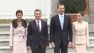 SS.MM. los Reyes, con el Presidente de Argentina, Mauricio Macri, y su esposa, Juliana Awada
