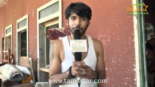 Mathi Vanan Speaks at Andhra Mess Shooting Spot