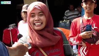 Download Video Keberhasilan Pak Cemplon Rayu Pembeli Cantik di Pasar Pedan MP3 3GP MP4