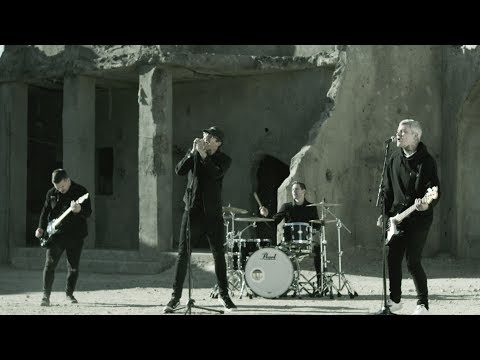The Amity Affliction - Drag The Lake [OFFICIAL VIDEO]