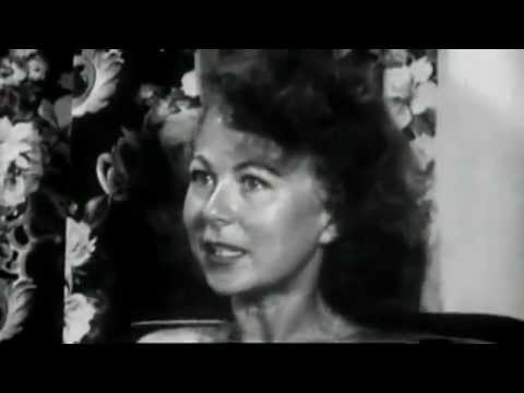 1950s Housewife Tries LSD