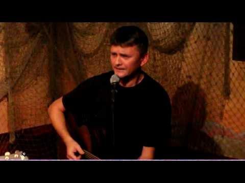 Tekst piosenki Żeglarska - Stary port po polsku