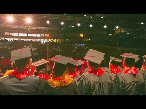 Remise des diplômes : une cérémonie grandiose au vélodrome