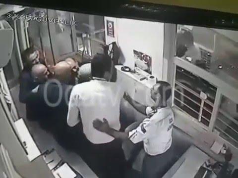 Eski AKPli bakan Erdoğan Bayraktar Güvenlik Görevlisini Dövdü