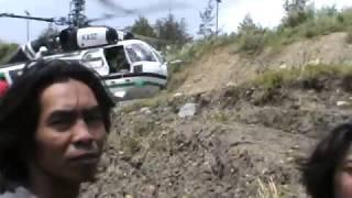 Video Helicopter angkut Mobil Ilaga Puncak ,Papua 320 MP3, 3GP, MP4, WEBM, AVI, FLV Desember 2018