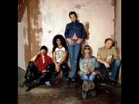 Tekst piosenki Velvet Revolver - Can't get it out my head po polsku