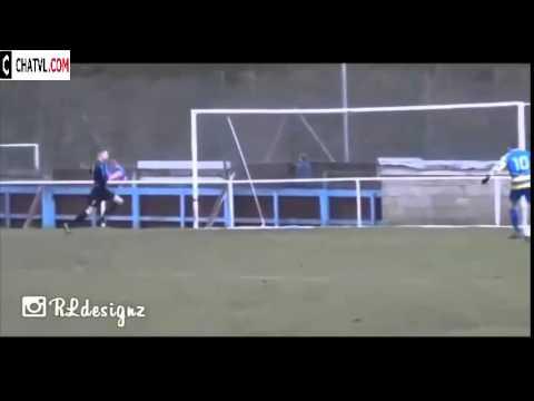 Rê bóng như Messi và dứt điểm như Torres