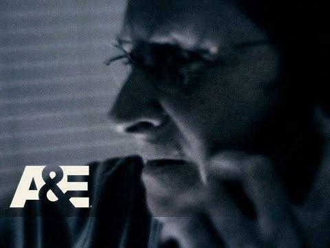 Panic 9-1-1: Donna Shoots The Intruder | A&E