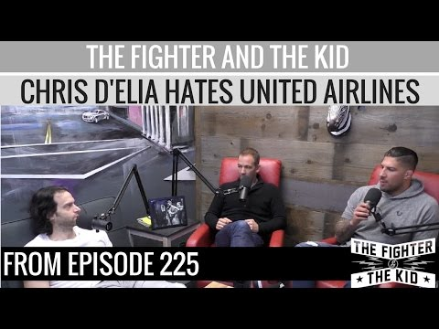 Chris D'Elia Tells The Fighter and The Kid Why He Hates United Airlines (видео)