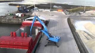 Terex Fuchs material handler – port handling from the MHL 80
