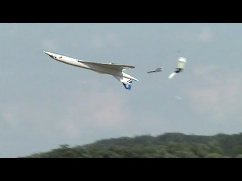 jets - This 1/10 scale, 6m long, Concorde jet model crash at the Jets Over Czech 2013 was both an attractive and sad part of the show for anyone among spectators as...